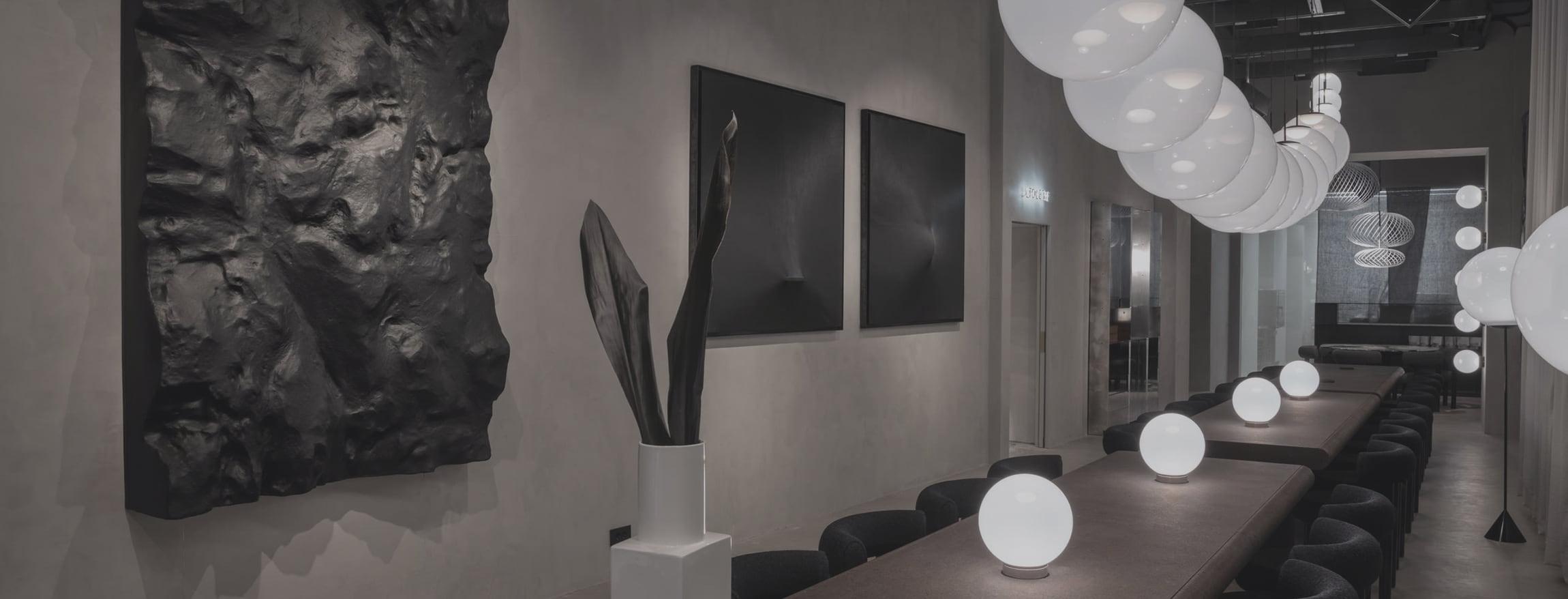 la dining room di Tom Dixon Milano, TRJ è agente esclusivista